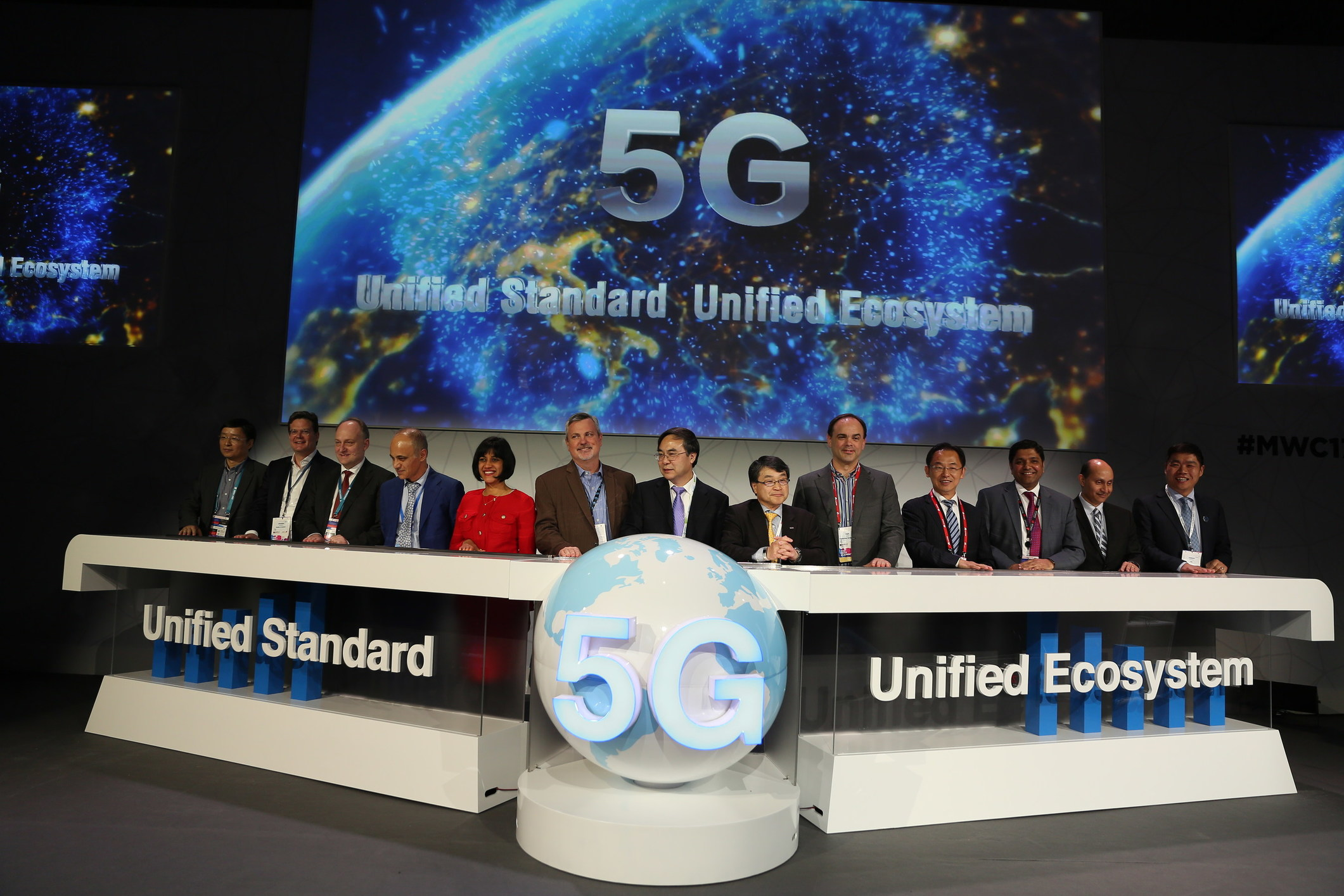 At Amp T China Mobile Ntt Docomo Vodafone Jointly Declare A Statement At Global 5g Test Summit