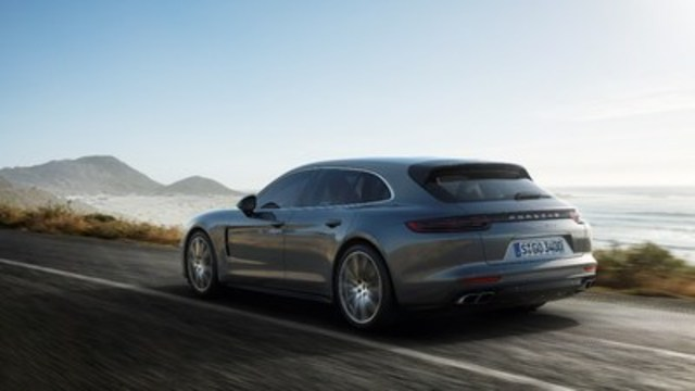 The Panamera Sport Turismo's roof extends into an adaptive spoiler; the angle of the spoiler adjusts in three stages and is capable to generate an additional 110 lbs. of rear downforce. (CNW Group/Porsche Cars Canada)