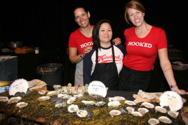 Dixonlicious 2016 featured an oyster bar generously provided by Hooked. The oyster bar had both Ruisseau and Shandaph osyters from Nova Scotia, served with Hooked hot sauce, horseradish, sherry mignonette, and lemon. (CNW Group/Dixon Hall)