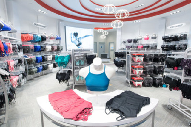 The extensive bra destination provides a comfortable environment for women to find the right fit. (CNW Group/FGL Sports Ltd.)