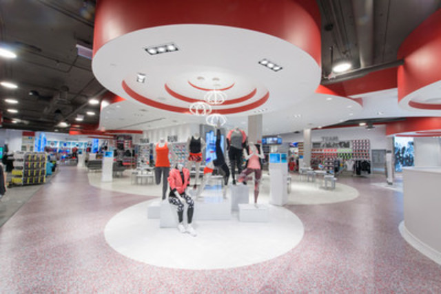 A first of its kind for Sport Chek, Sport Chek Women offers a new environment designed by women, for women. (CNW Group/FGL Sports Ltd.)