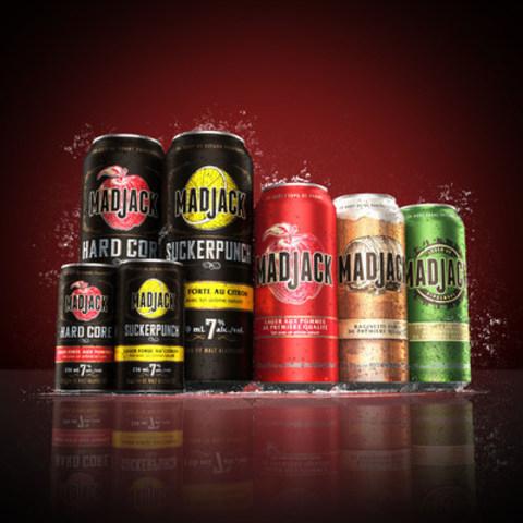 Les lagers fortes au citron Suckerpunch et aux pommes Hard Core de Mad Jack viennent d'atterrir! Ces deux nouvelles saveurs sont maintenant offertes en magasin un peu partout au pays. (Groupe CNW/Molson Coors Canada)