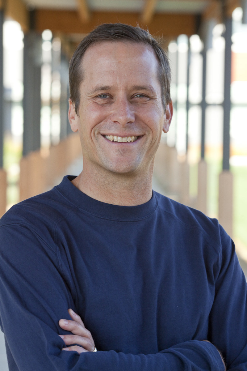 TideSmart Globall LLC announced on March 7, 2017 that Aaron Carpenter, the former Vice President of Global Marketing for The North Face and Vice President of Marketing, Licensing, and Online Sales for Signature by Levi Strauss & Co. Jeans, will lead TideSmart West as President/CEO.