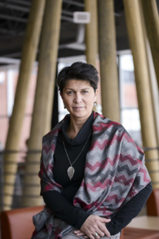 Professor Suzy Basile of the Université du Québec en Abitibi-Témiscamingue (UQAT) will be leading a new and unprecedented research initiative with the implementation of a Research Laboratory on Indigenous Women Issues – Akwatisiw. (CNW Group/Université du Québec en Abitibi-Témiscamingue (UQAT))
