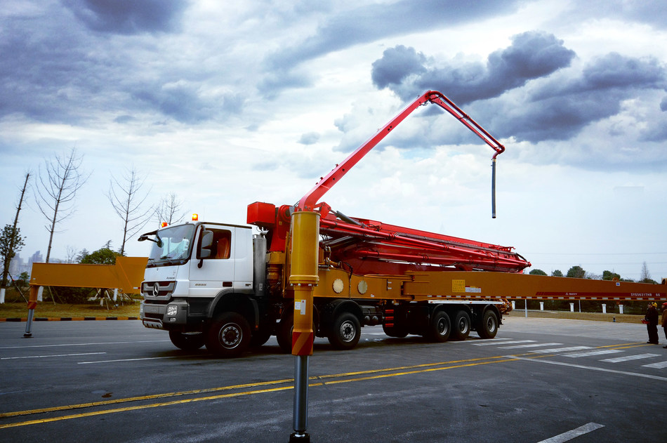 SANY SY5631THB 66(6) 66-meter concrete pump had been ready to be shipped to Qatar's Hamad Port