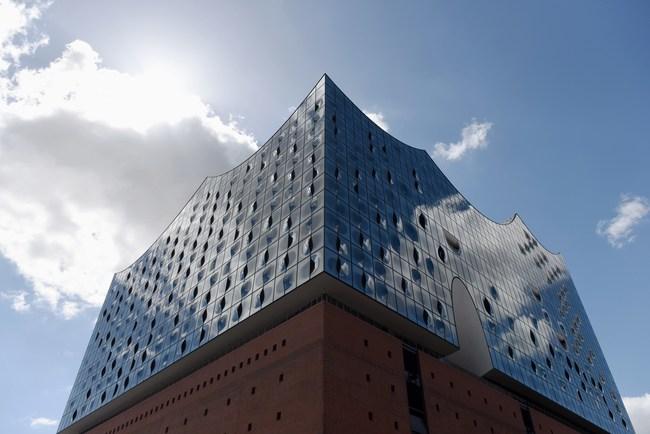 Marriott International Announces 2020 Growth Vision In Europe Post Starwood Acquisition  - pictured: The Westin Hamburg - Aussenansicht Elbphilharmonie, credits The Westin Hamburg, Michael Zapf