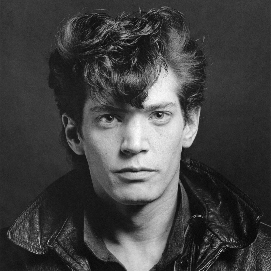 Robert Mapplethorpe, Self-Portrait, 1980 (Gelatin silver print).  Jointly acquired by the Los Angeles County Museum of Art and The J. Paul Getty Trust. Partial gift of The Robert Mapplethorpe Foundation; partial purchase with funds provided by The J. Paul Getty Trust and the David Geffen Foundation. (M.2011.30.55) (C) Robert Mapplethorpe Foundation  The exhibition 'Robert Mapplethorpe, a perfectionist' offers an impressive survey of his career, from his early works in the late 1960s to the art world success he established in the 1980s. More than 200 objects throw new light on his preferred genres: portraiture, self-portraiture, the nude, and still life. (PRNewsFoto/Kunsthal Rotterdam)
