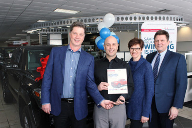 With his wife, Renée, Steve McDonald (2nd from left) receives the keys to a new 2017 Toyota Tacoma as a winner in the Select Sweepstakes. Presenting the new vehicle are Jeff Hughson (left) of MBS Insurance Brokers of Edmonton, and Jeff Patterson, National Marketing Manager, Economical Select. (CNW Group/Economical Insurance)