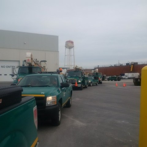 Toronto Hydro crews departed this afternoon to help restore power to Buffalo, New York following powerful wind storm. (CNW Group/Toronto Hydro Corporation)
