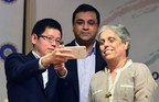 OPPO's Mr Sky Li with Rahul Johari and Diana Edulji from BCCI (PRNewsFoto/OPPO)