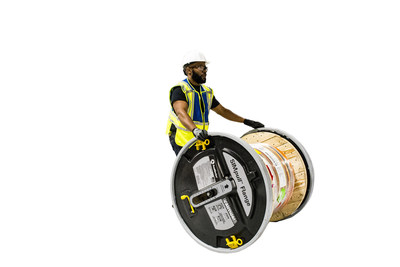 The SIMpull Flange's shaftless design safely allows one person to turn a wooden reel (compatible with reels up to 34 inches and 2,000 pounds) into a time-saving, field-installable solution. The product's design removes the need to handle heavy jack stands, is reusable in the field and can be installed on multiple reels throughout the job site. For more information about the benefits of the SIMpull Flange, visit simpullflange.southwire.com.