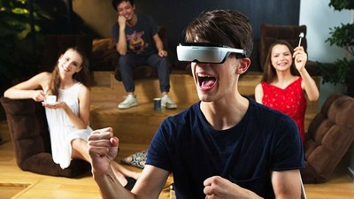 Berkeley's Center for Augmented Cognition, directed by Allen Yang, will outfit a new lab for research and student projects in augmented reality and virtual reality, made possible by a gift from Immerex.  (Photo: Immerex)