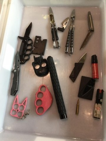 Examples of items intercepted in carry-on baggage. (CNW Group/Canadian Air Transport Security Authority (CATSA))