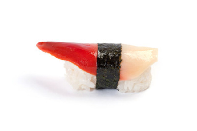 Clearwater introduces Arctic Surf Clam Sushi-Ready Slices, a convenient and ready-to-use clam product that adds variety and visual appeal to any sushi or sashimi dish. (CNW Group/Clearwater Seafoods Incorporated)