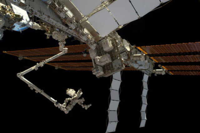 MDA recognized by NASA for ISS battery upgrade operations. Image: NASA (CNW Group/SSL)