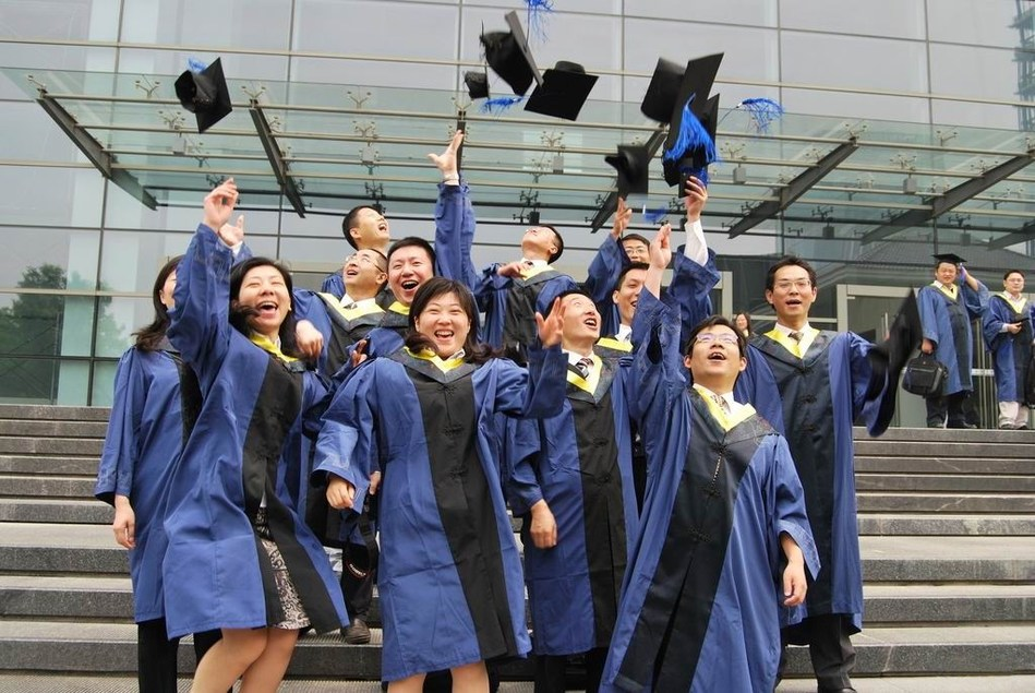 Graduates of Tongji SEM Master Program (PRNewsFoto/Tongji University SEM)