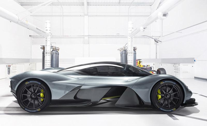 Aston Martin Valkyrie_Michelin (PRNewsFoto/Michelin AIM)