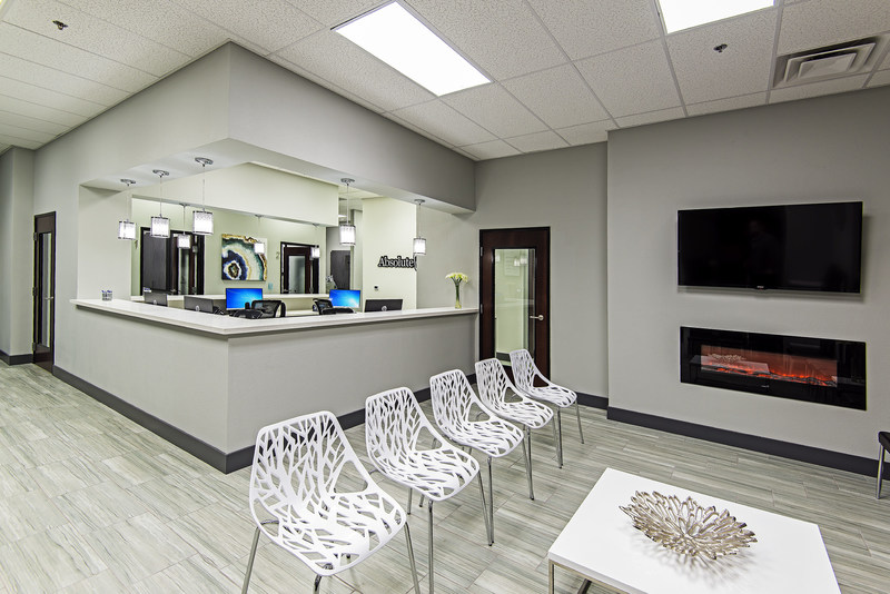 """Patients will feel right at home in our clean, modern, and """"green"""" new dentist office at 1860 E Charleston Blvd in Las Vegas."""