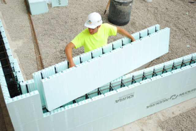 """NUDURA Standard Forms are the largest standard ICF in the industry measuring 96"""" x 18"""" allowing the placement of 12 sq. ft. of wall area in one building step. Building with DURAMAX Technology® results in faster installation times, less waste and reduced of seams (CNW Group/NUDURA)"""