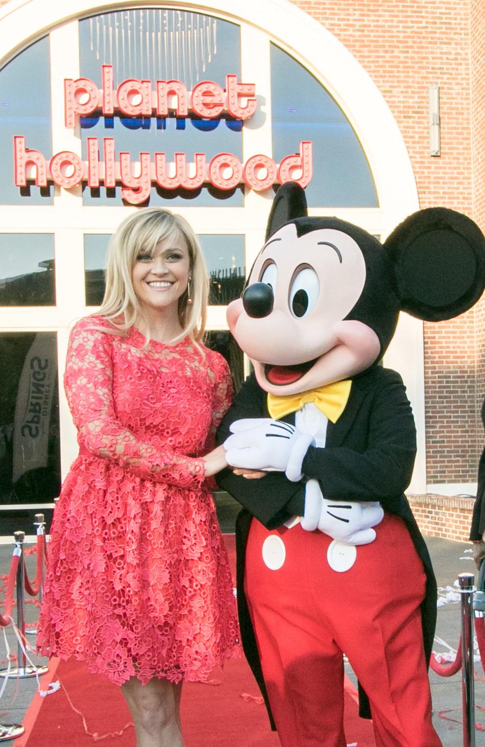 (PRNewsFoto/Planet Hollywood)