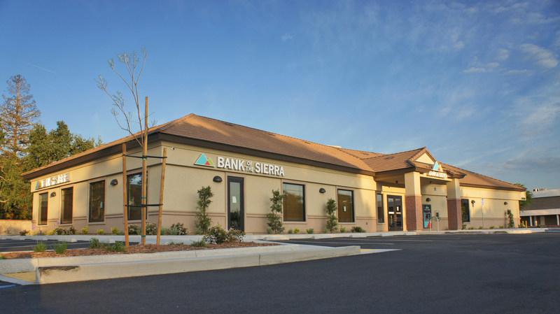 Bank of the Sierra's new Bakersfield branch is now open at 4456 California Avenue, in the Hobby Lobby shopping center. The 6,000 sqft location is the bank's fourth branch citywide.