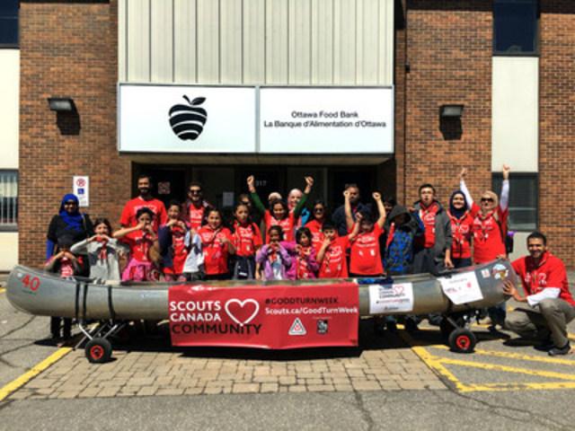 Chaque année, Scouts Canada encourage chacun de ses membres à améliorer la vie de son prochain à l'occasion de la Semaine des B. A. (Groupe CNW/Scouts Canada)