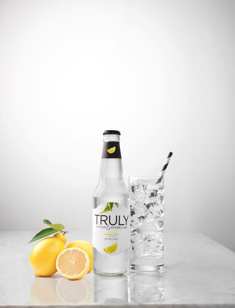 Truly Spiked & Sparkling Lemon & Yuzu