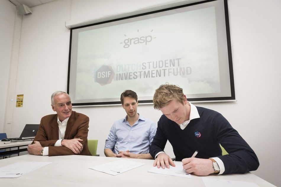 Dutch Student Investment Fund signs first investment agreement with start-up-company Grasp. From left to right: Mr Lars Pieke, member of the advisory board of DSIF, Frans van der Sluis, founder of start-up-company Grasp and Jelle Kerkdijk, portfolio manager in the executive board of DSIF. (PRNewsFoto/Dutch Student Investment Fund)