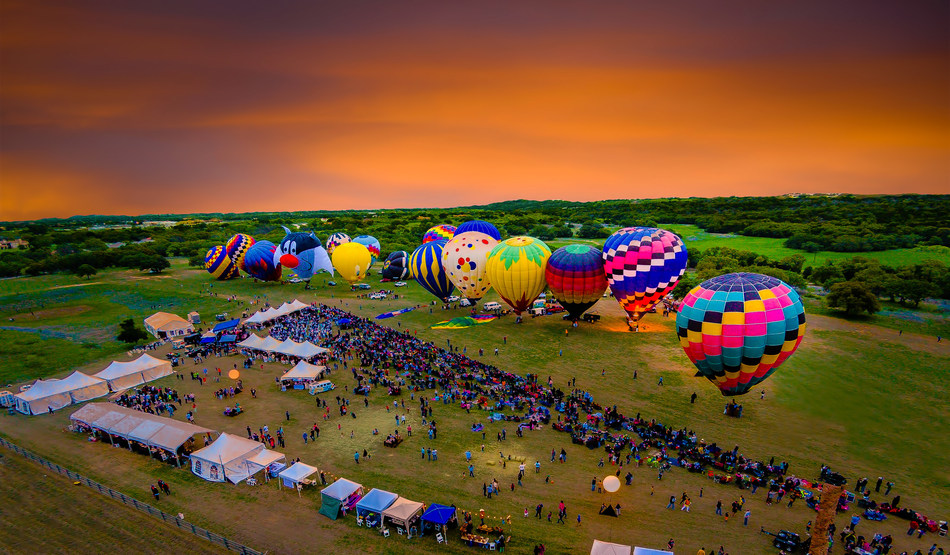 Balloons over Horseshoe Bay Resort, an award-winning hot air balloon festival just west of Austin, returns to Horseshoe Bay April 14-16, 2017 with two special shaped balloons and a concert by Austin icon Bob Schneider. Tickets on sale now at hsbresort.com