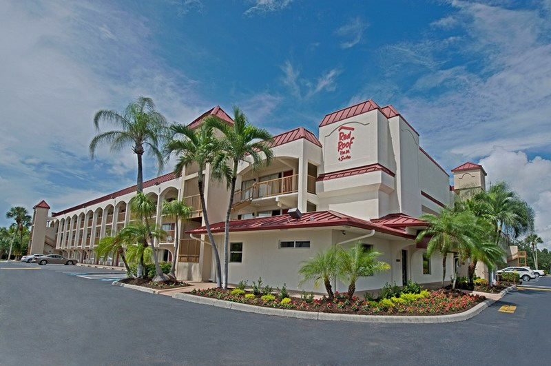 Red Roof(R) is awakening travelers out of their winter hibernation with special deals in popular sunny locations guaranteed to put some spring in their travel. From now through April 30th, guests can save 20% at select Florida properties.