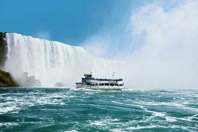 Maid of the Mist est l'une des plus anciennes attractions touristiques en Amerique du Nord. La saison 2017 debute le 1er avril, à Niagara Falls, E.-U. www.maidofthemist.com