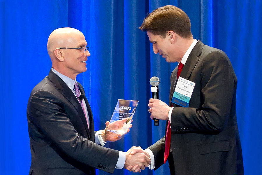 Dana Deasy, Managing Director & Global CIO, JPMorgan Chase & Co., received an HMG Strategy 2017 Transformational CIO Leadership Award at the 2017 NY CIO Summit of America.