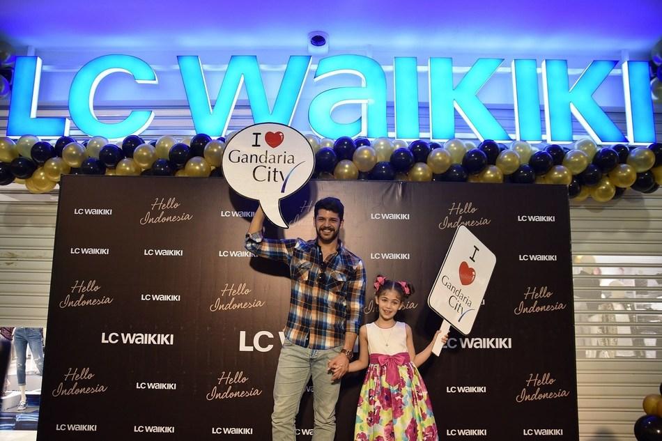 Isabella Damla Guvenilir and Emre Kıvılcım said they were very happy to be in Jakarta again and proud to be the brand ambassador of global fashion retail brand LC Waikiki. (PRNewsFoto/LC Waikiki)