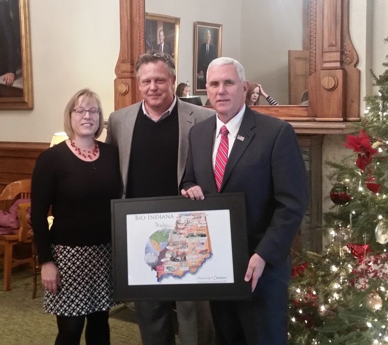 Presentation of the BioSpace BioIndiana Map by Christy Denault (Director of External Affairs and Communications, Indiana BioSciences Research Institute (IBRI)) and David Broecker (President and CEO, IBRI) to the Vice President of the United States, Mike Pence. (C) Copyright IBRI 2017