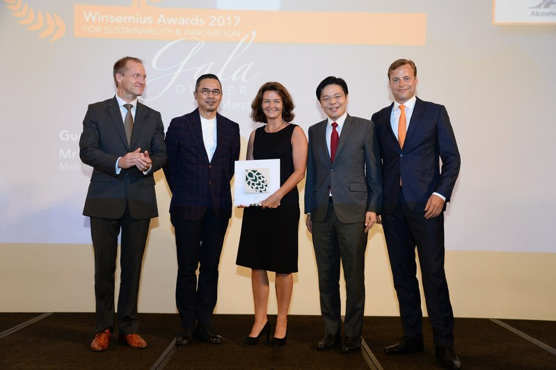 FrieslandCampina's Friso e-commerce portal has won in the 'Food and Nutrition' category of the 2017 Winsemius Awards for Sustainability & Innovation. The awards were presented by the Dutch Chamber of Commerce in Singapore.