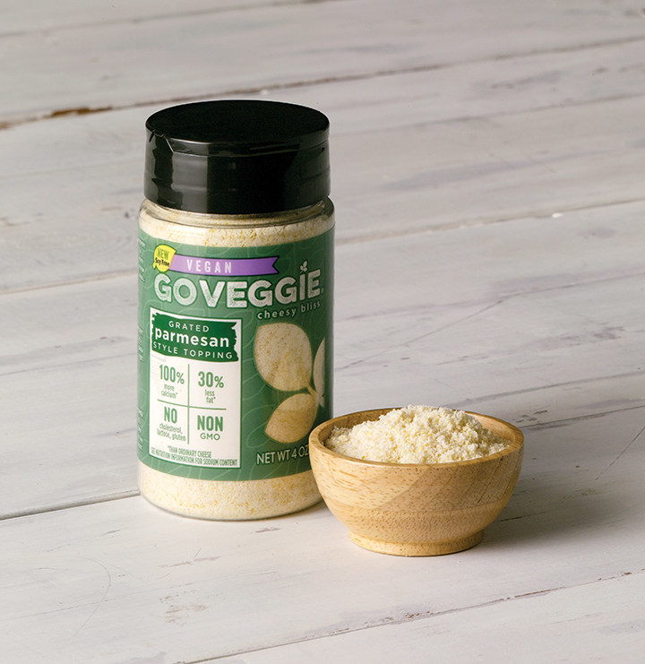 AN EASY WAY TO SPRINKLE GO VEGGIE(R) INTO YOUR DAY - NEW VEGAN SOY FREE GRATED PARMESAN