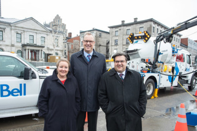 Bell investing $854 million in Montréal to bring the fastest fibre technology to homes et businesses across the city.  Martine Turcotte, Bell's Vice-Chair, George Cope, President and CEO, BCE and Bell & Denis Coderre, Mayor of Montréal (CNW Group/Bell Canada)