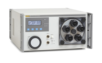 The Fluke Calibration 5128A is lightweight and compact so technicians can easily take it to the field for thorough, reliable multi-point calibration of humidity probes and loggers. In the lab, the 5128A reduces calibration time by at least 33 percent compared to traditional two-pressure humidity generators, which are slower to respond to humidity and temperature set point changes.