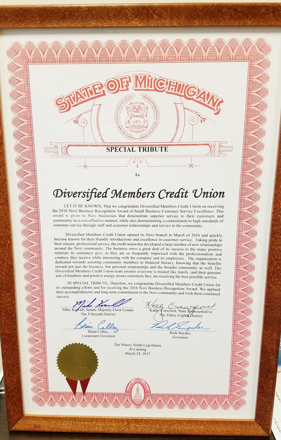 Diversified Members Credit Union Receives 2016 Novi Business Recognition Award.