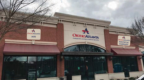OrthoAtlanta orthopedic and sports medicine specialists opened its newest location in Peachtree City, Georgia providing muscle, joint, bone and spine care, onsite MRI and physical therapy.