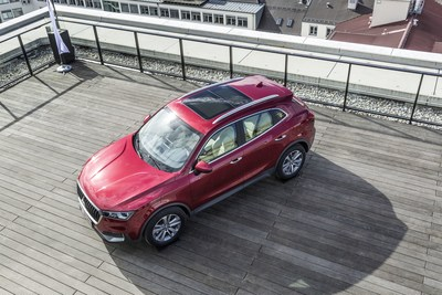 Borgward Group AG is continuing to pursue its growth strategy with the sales launch of the Borgward BX5 in China. Featuring a length of 4.48 meters and a wheelbase of 2.68 meters, the new vehicle went on sale in today's fastest growing SUV segment. The Borgward BX5, which comes with a fully variable torque-on-demand all-wheel drive as an option, combines the virtues of classic SUVs (e.g. great versatility and superior comfort) with an unparalleled amount of space for a vehicle of this class as well as with the brand's typically comprehensive range of online infotainment. (PRNewsFoto/Borgward Group AG)