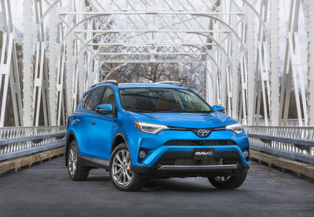 The 2017 Toyota RAV4 Hybrid claimed top honours from the Automobile Journalists Association of Canada (AJAC) as the 2017 Canadian Green Utility Vehicle of the Year (CGUVOTY), announced today in Vancouver. Photo courtesy of Toyota Canada. (CNW Group/Automobile Journalists Association of Canada)