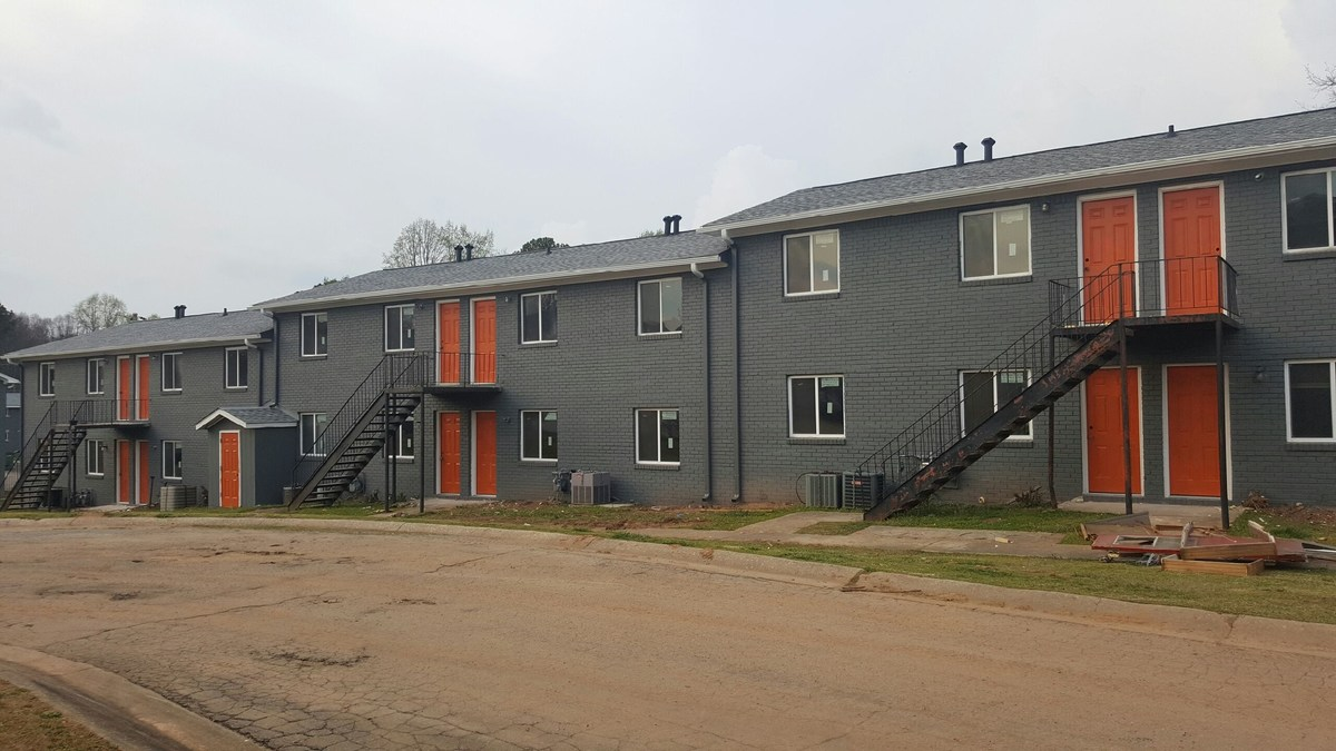 Huntington, NY Firm Acquires Value Add Apartment Deal in