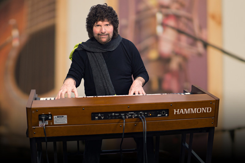 Mark Stein, keyboardist, vocalist and founding member of the acclaimed 60s psychedelic band VANILLA FUDGE has become the first official artist to record with Hammond's revolutionary new XK-5 organ. Stein is working on solo tracks but also continues to write, record and tour with Vanilla Fudge, which is celebrating its 50th Anniversary.