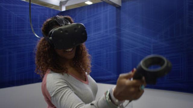 Lowe's Canada lance l'expérience de réalité virtuelle nouvelle génération, Holoroom Comment Faire, qui propose des cliniques à la demande pour initier les participants à la rénovation (Groupe CNW/Lowe's Canada)