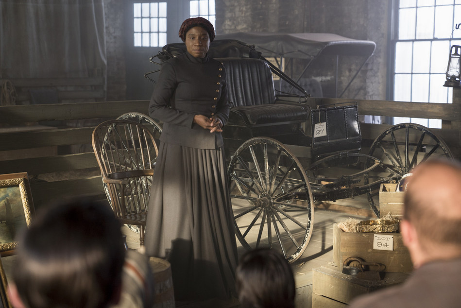 "Aisha Hinds as Harriet Tubman on WGN America's ""Underground"""