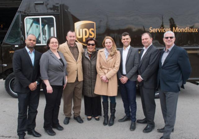 Ce vendredi 31 mars, c'est avec fierté qu'UPS Canada a intronisé John de Villers, son 150e livreur à se joindre au prestigieux Cercle d'honneur, une récompense offerte aux livreurs d'UPS qui présentent un dossier de conduite sans accident responsable pendant 25 ans. Alexandra Mendès, députée de la circonscription de Brossard – Saint-Lambert, était présente à la cérémonie et a remis à John un certificat soulignant cet accomplissement. UPS Canada a également remis un don de 1 000 $ à l'organisme L'Antre-Temps de Longueuil au nom de John. Afin de souligner le 150e membre du Cercle d'honneur chez UPS Canada et le 150e anniversaire du Canada, une carte d'anniversaire circulera dans l'entreprise afin d'être signée par les livreurs, puis livrée au Parlement à temps pour le 1er juillet prochain. UPS Canada aimerait témoigner sa gratitude à John, 150e livreur  intronisé au Cercle d'honneur, et aux livreurs partout au Canada qui, chaque jour, veillent à la sécurité des collectivités dans lesquels ils vivent et travaillent.    De gauche à droite : Rico-Victor Alexandre, directeur du Processus global de santé et de sécurité chez UPS Canada, Magali Lacerte-Tremblay, vice-présidente au génie industriel chez UPS Canada, John de Villers, livreur chez UPS Canada, Alexandra Mendès, députée de la circonscription de Brossard – Saint-Lambert, Sonia Langlois, directrice générale de L'Antre Temps de Longueuil, Sean Doherty, directeur de division chez UPS Canada, Dimitrios Vassilopoulos, directeur principal du Processus global de santé et de sécurité chez UPS Canada, et Louis Petitclerc, directeur de centre chez UPS Canada. (Groupe CNW/UPS Canada Ltee.)