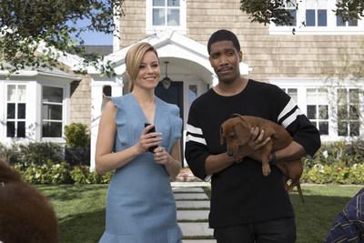 Elizabeth Banks bringing humor to the set of the realtor.com ad campaign.
