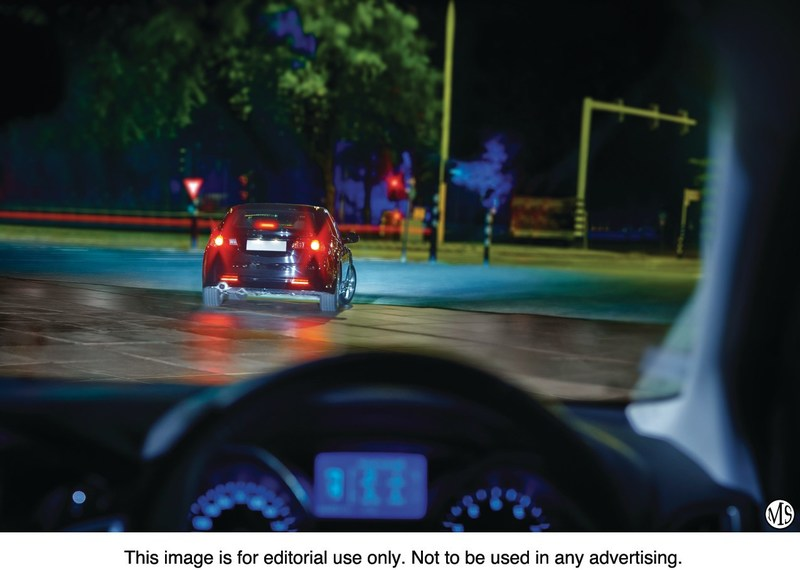 The instant-on response provided by Philips Vision LEDs can reduce braking distance by up to 20 feet at speeds of 75 miles per hour. Because they light up quicker, other drivers can see the vehicle sooner.