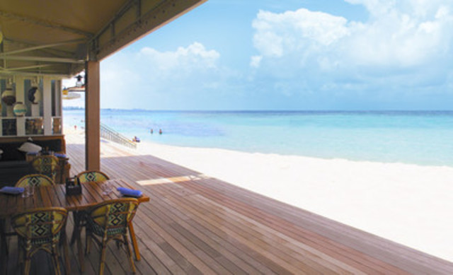 Save up to 45 per cent off in the Cayman Islands with the Summer Only in Cayman promotion. (CNW Group/The Cayman Islands Department of Tourism (Canada))